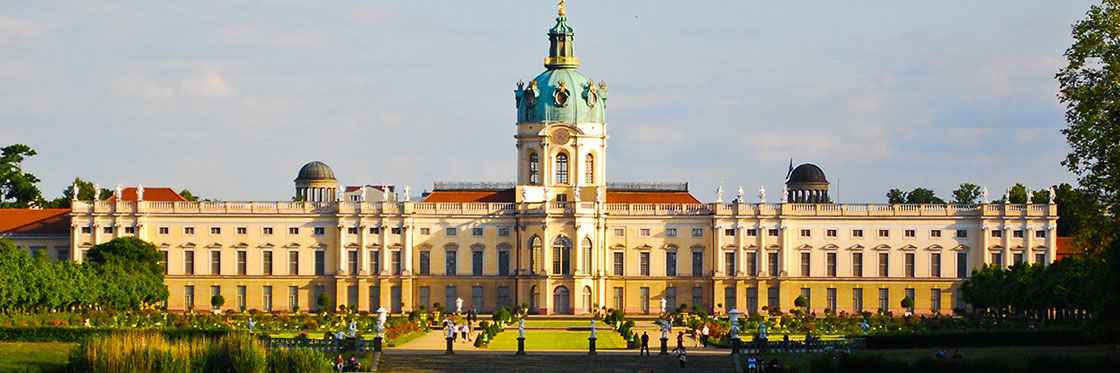 charlottenburg palace opening hours and price. Black Bedroom Furniture Sets. Home Design Ideas