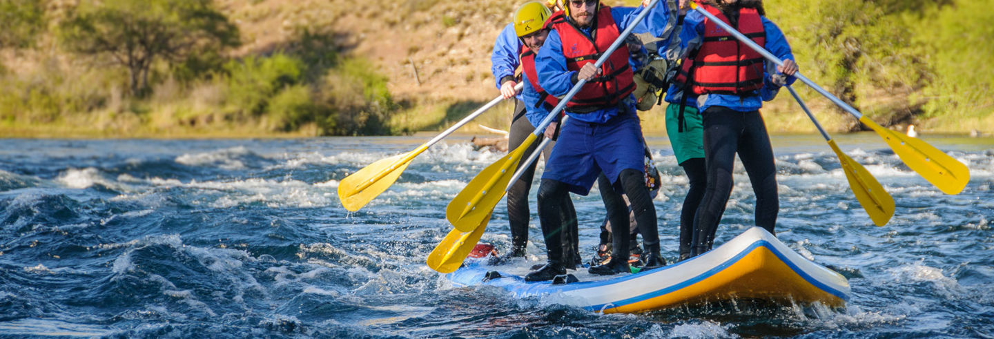 Stand up rafting no rio Limay