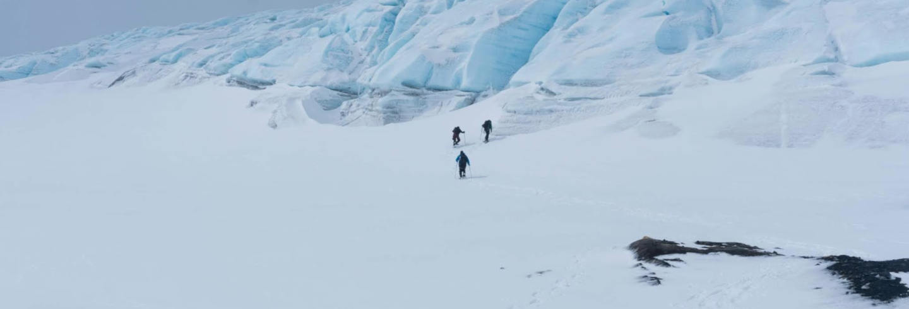 Tour privado de alpinismo por el cerro Gorra Blanca en 4 días