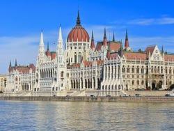 ,Excursion to Praga,Excursión a Budapest,Excursion to Budapest,Tour por Viena,Vienna Tour,Excursión a Bratislava,Excursion to Bratislava,Excursión a Praga