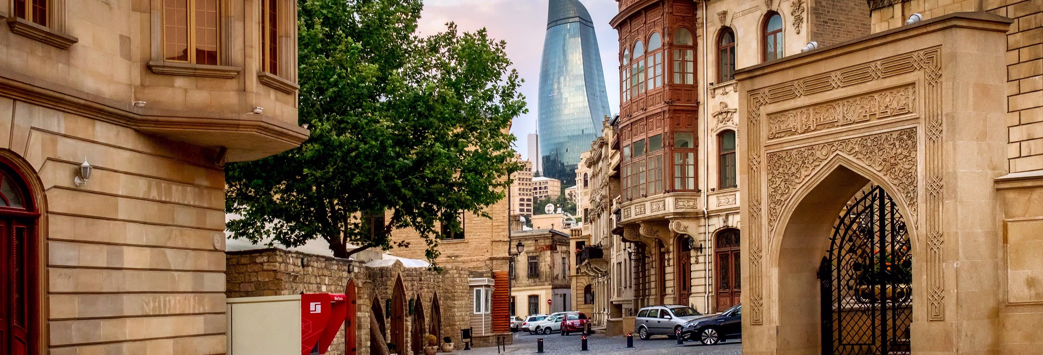 Tour privato di Baku con guida in italiano