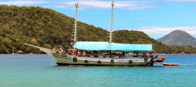 Paseo en barco por las playas de Angra dos Reis