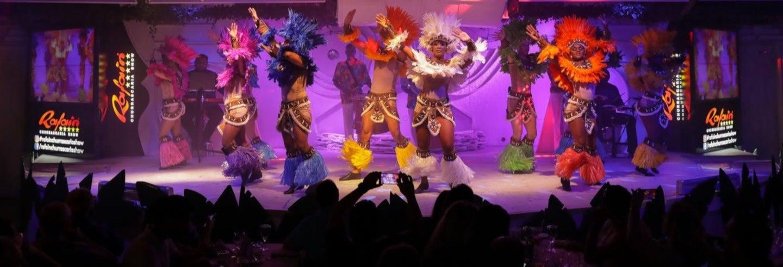 Cena con espectáculo folclórico