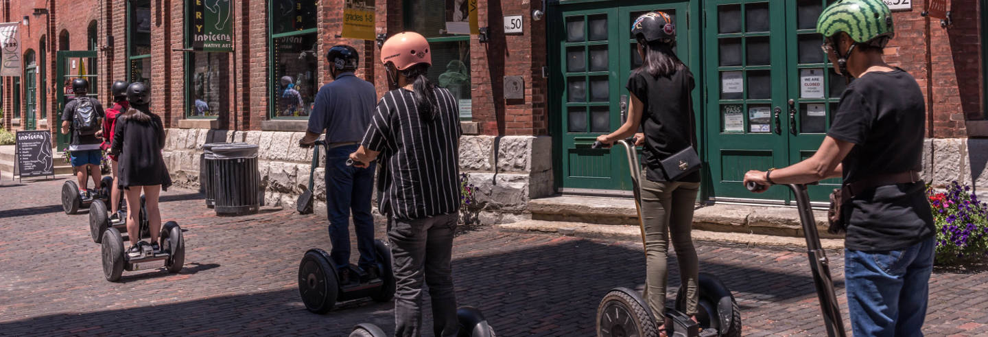 Tour del Distillery District in segway