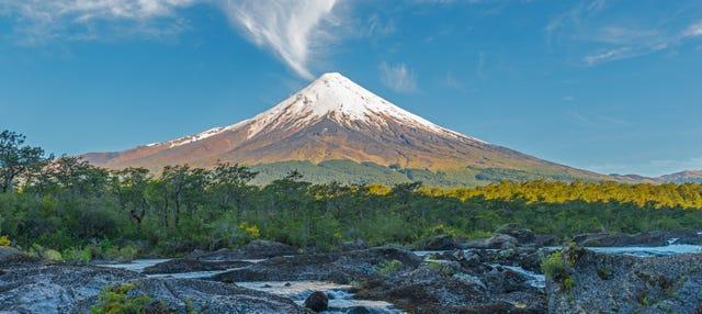 Excursión a los Saltos de Petrohué y volcán Osorno