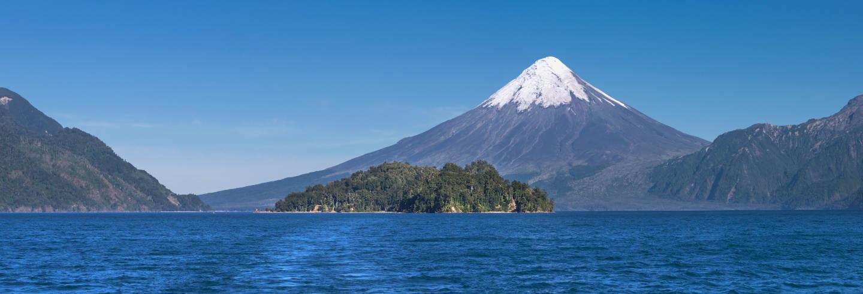 Trilha pelos saltos de Petrohué e o vulcão Osorno