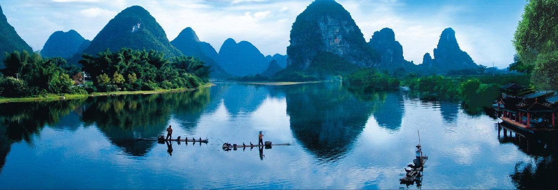 Paseo en balsa de bambú por el río Li