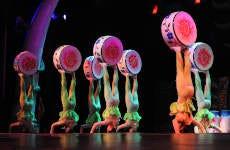 Cena e spettacolo acrobatico a Pechino