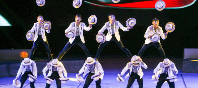 Spiral Acrobatic Show