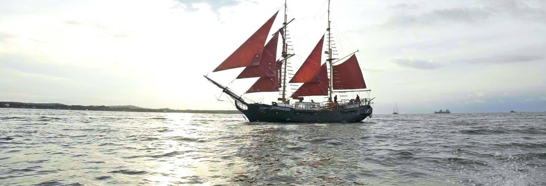 Tour de barco pirata pela baía de Cartagena