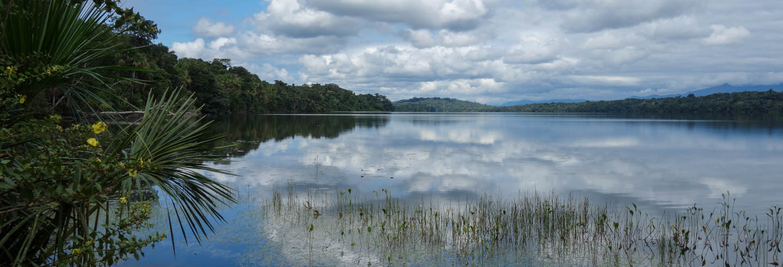 Excursión al lago Piraña de 1 o 2 días