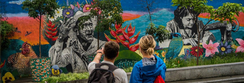 Tour pelo bairro El Faro