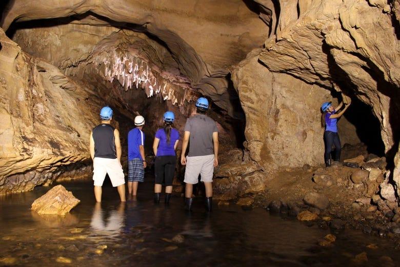 Honda San Jose >> Excursión a las cavernas del Venado desde Arenal ...