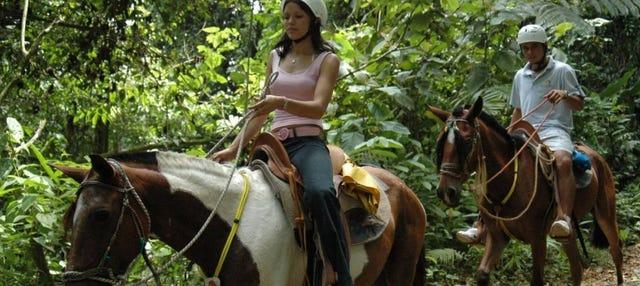 Passeio a cavalo à Catarata La Fortuna