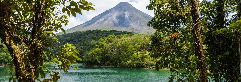 Vulcão Arenal e águas termais de Baldi