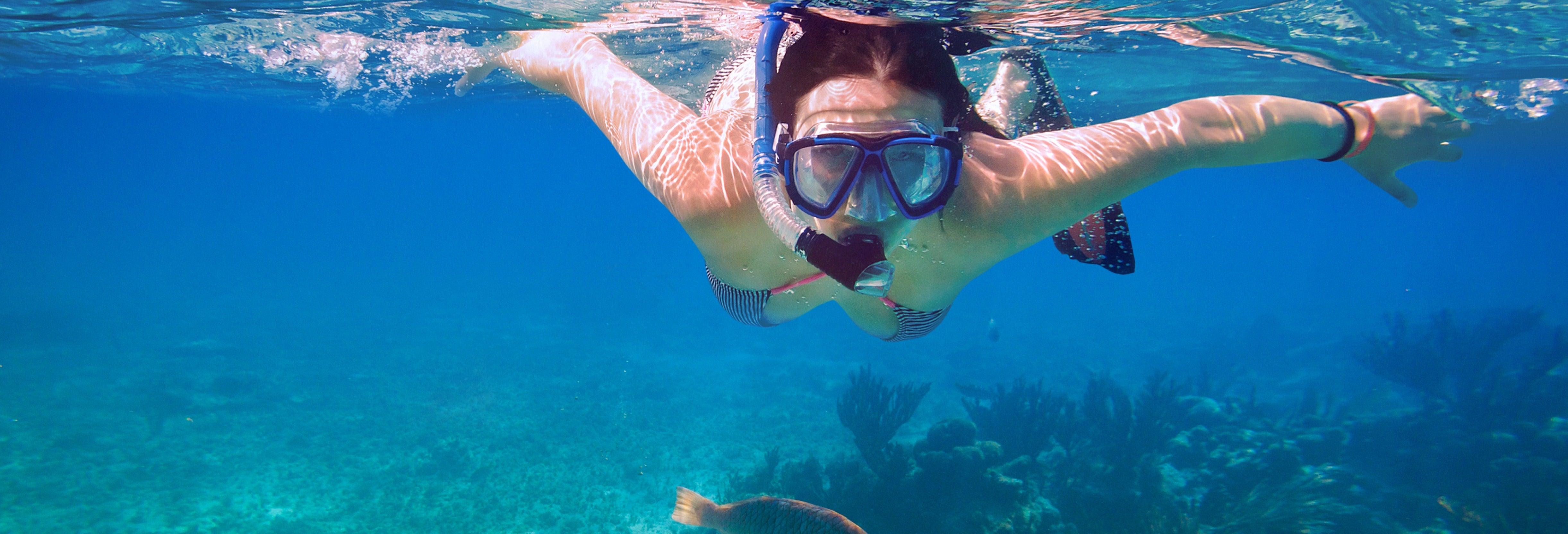 Caiaque e snorkel no Oceano Pacífico