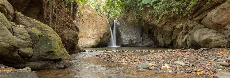 Tirolina sobre las cascadas de Miramar