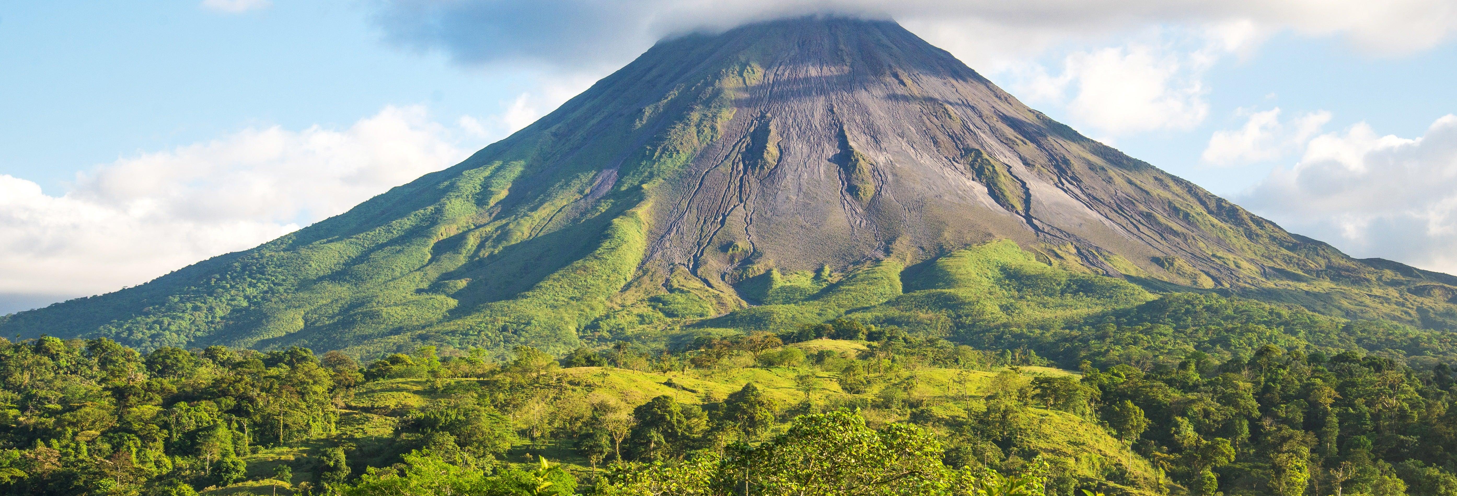 Excursión al volcán Arenal + Aguas termales