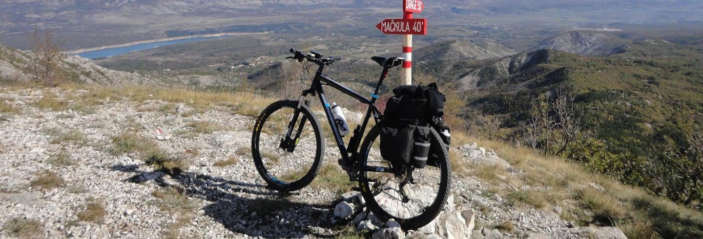 Balade à vélo dans la plaine de Sinj