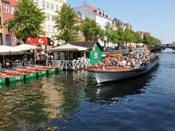 ,Crucero canales de Copenhague,Barco turístico