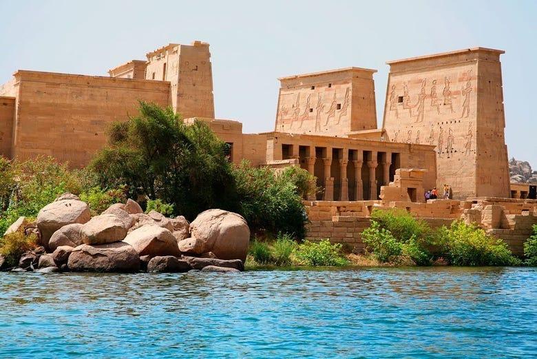 ,Crucero por el Nilo,Excursion to Kalabsha Temple