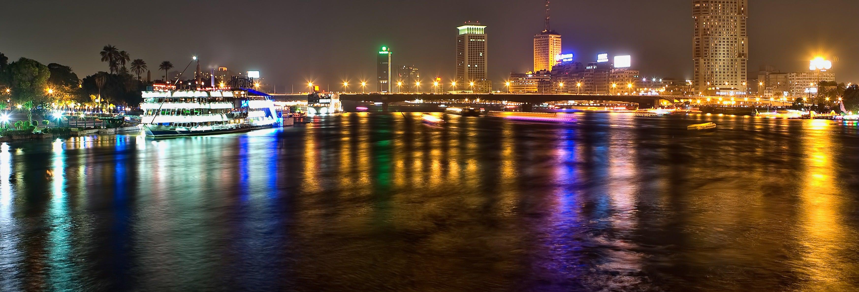 Crucero por el Nilo con cena y espectáculo