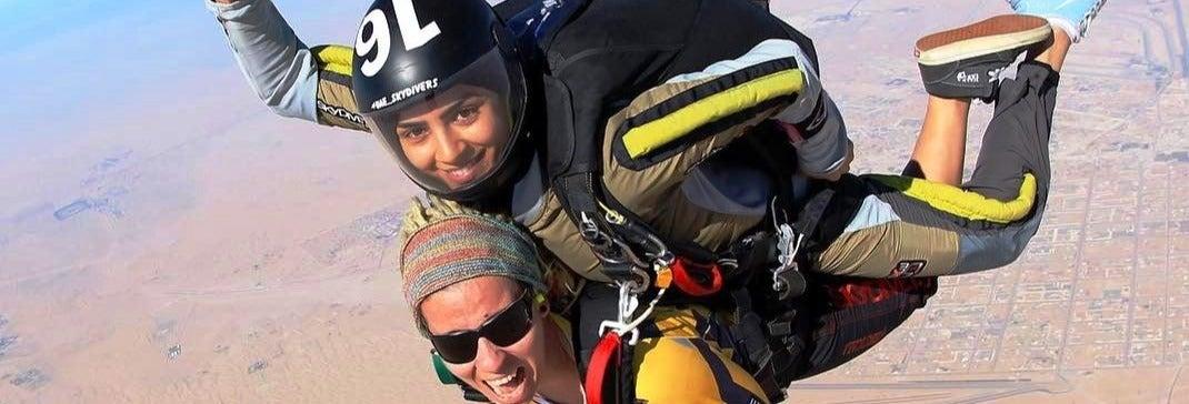 Saut en parachute tandem à Dubaï