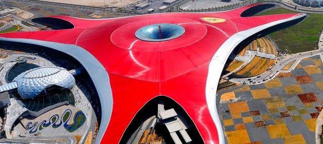 Excursión a Ferrari World en hidroavión