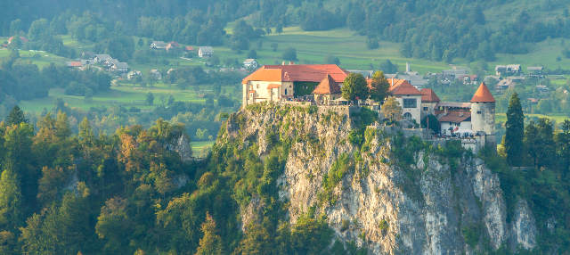 Excursión a Bled, la cueva Postojna y el castillo de Predjama