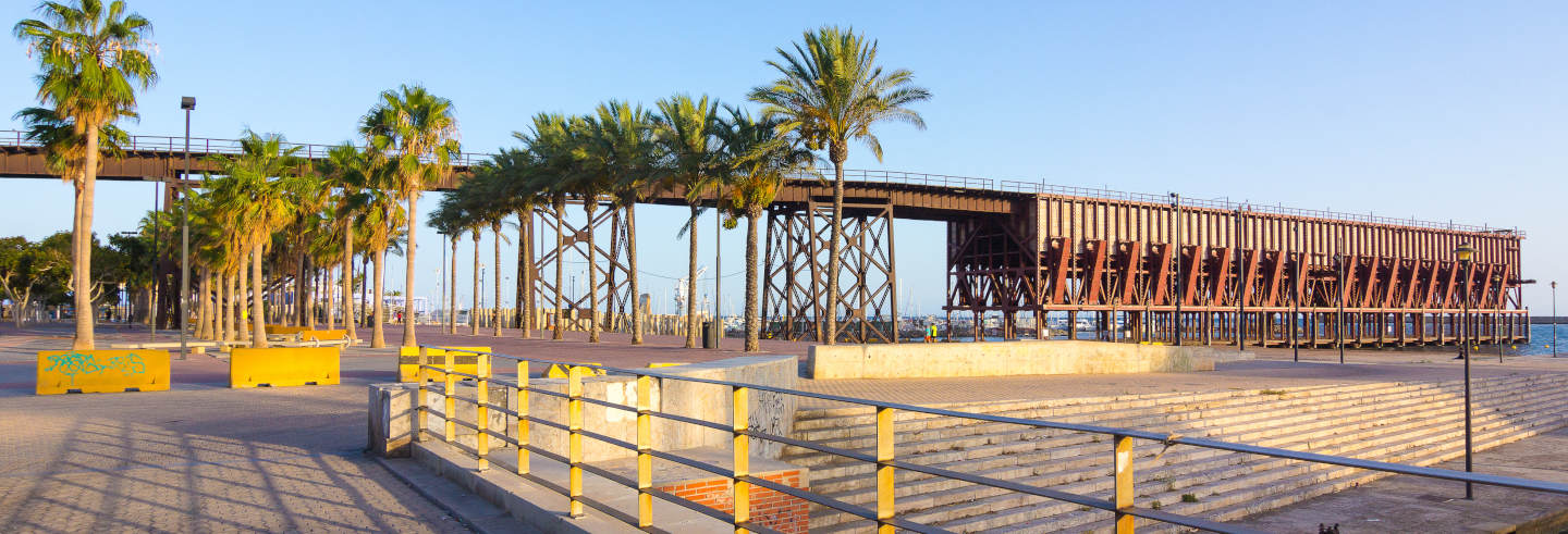 Tour pelos monumentos de ferro de Almeria
