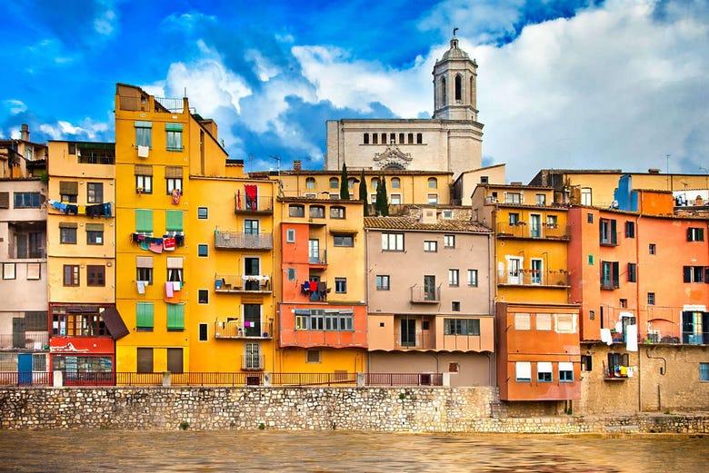 Escursione a Girona e Sitges da Barcellona - ScopriBarcellona.com
