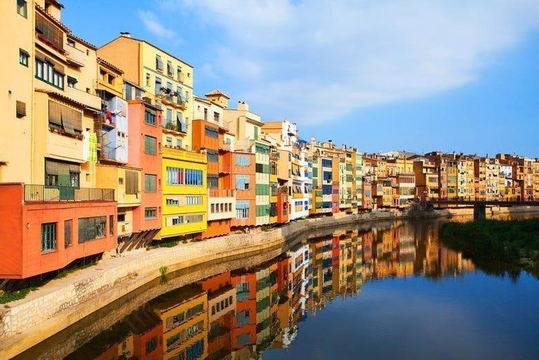 Girona figueres and dali museum day trip barcelona - Casco antiguo de girona ...