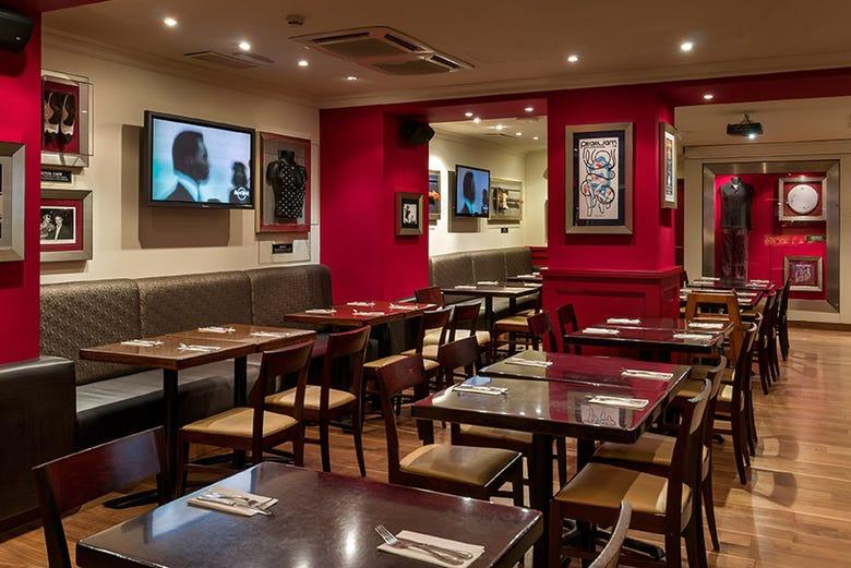 Déjeuner ou dîner au Hard Rock Cafe Barcelona