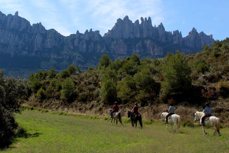 Carte Barcelone Montserrat.Montserrat Horse Riding Half Day Tour In Barcelona