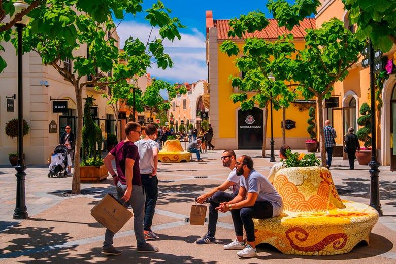 La roca village shopping day trip from barcelona for La roca barcelona