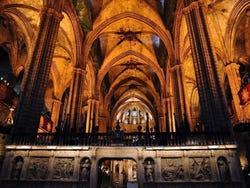 Catedral de barcelona horario precio y ubicaci n en for Catedral de barcelona interior