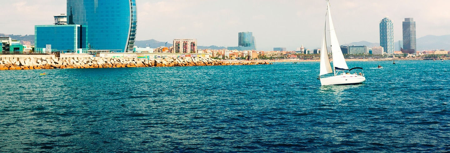 Paseo en velero por Barcelona