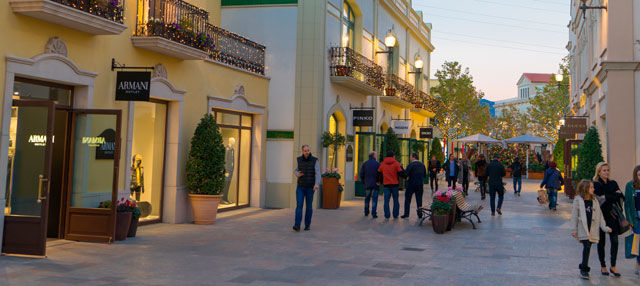 Tour dello shopping a La Roca Village
