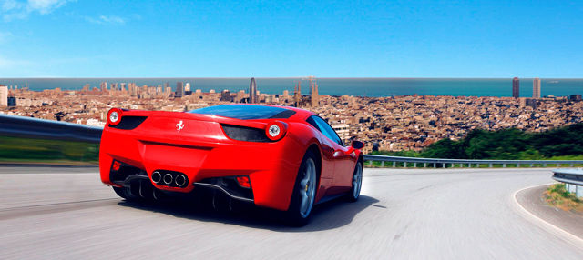 Tour por Barcelona en Ferrari o Lamborghini