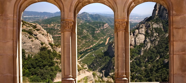 Montserrat Monastery and Hiking Tour