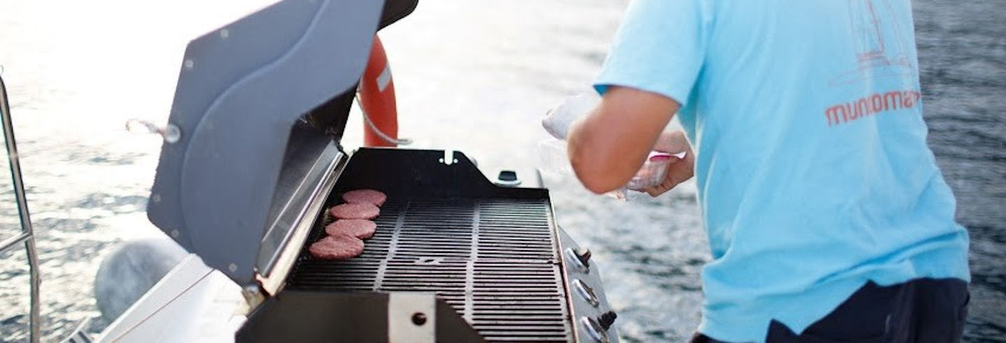 Catamaran Tour + Barbecue