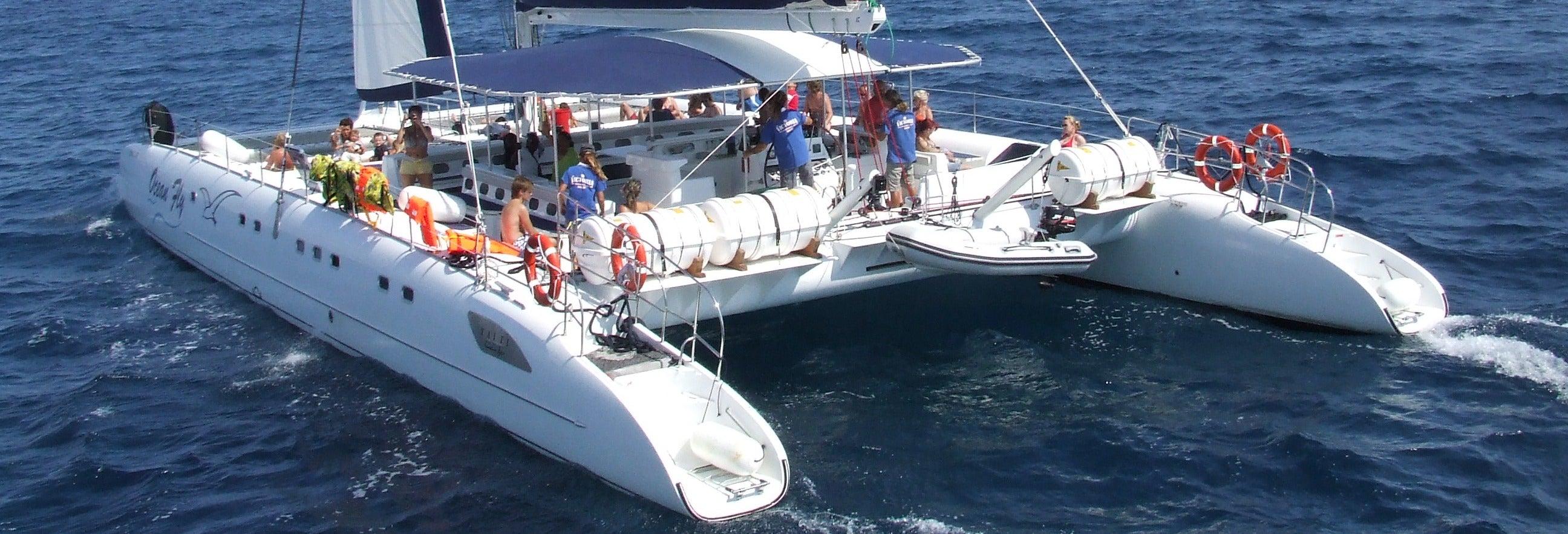 Giro di mezza giornata in catamarano a Cambrils