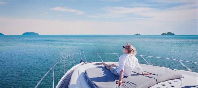 Paseo en barco por las calas de Cabo de Gata