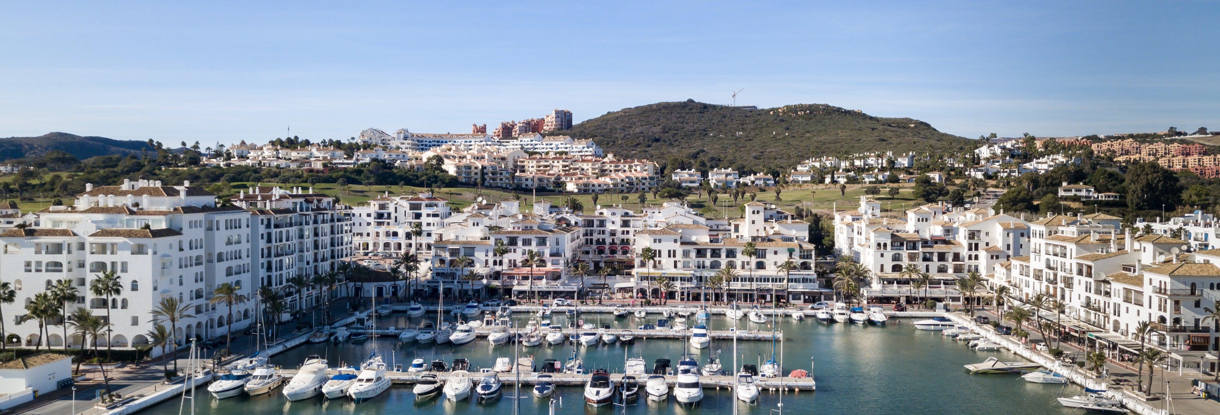 Tour del porto di Estepona