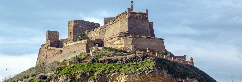 Tour por Monzón con degustación de vino