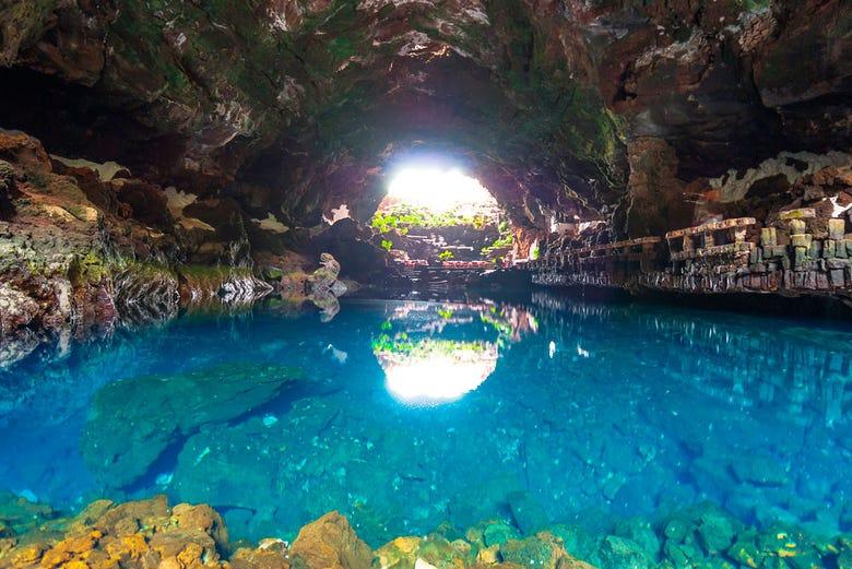 Excursi n por timanfaya y los jameos del agua lanzarote - Se puede banar en los jameos del agua ...