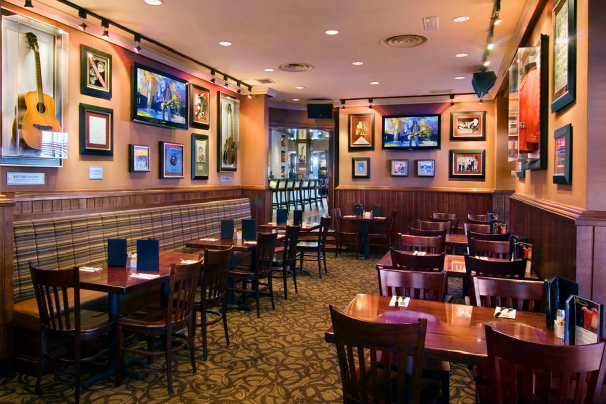 Lunch Or Dinner In The Hard Rock Café
