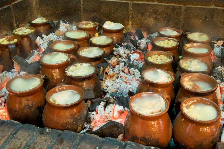 Cocido madrile o en el restaurante la ray a madrid - Pucheros de barro ...