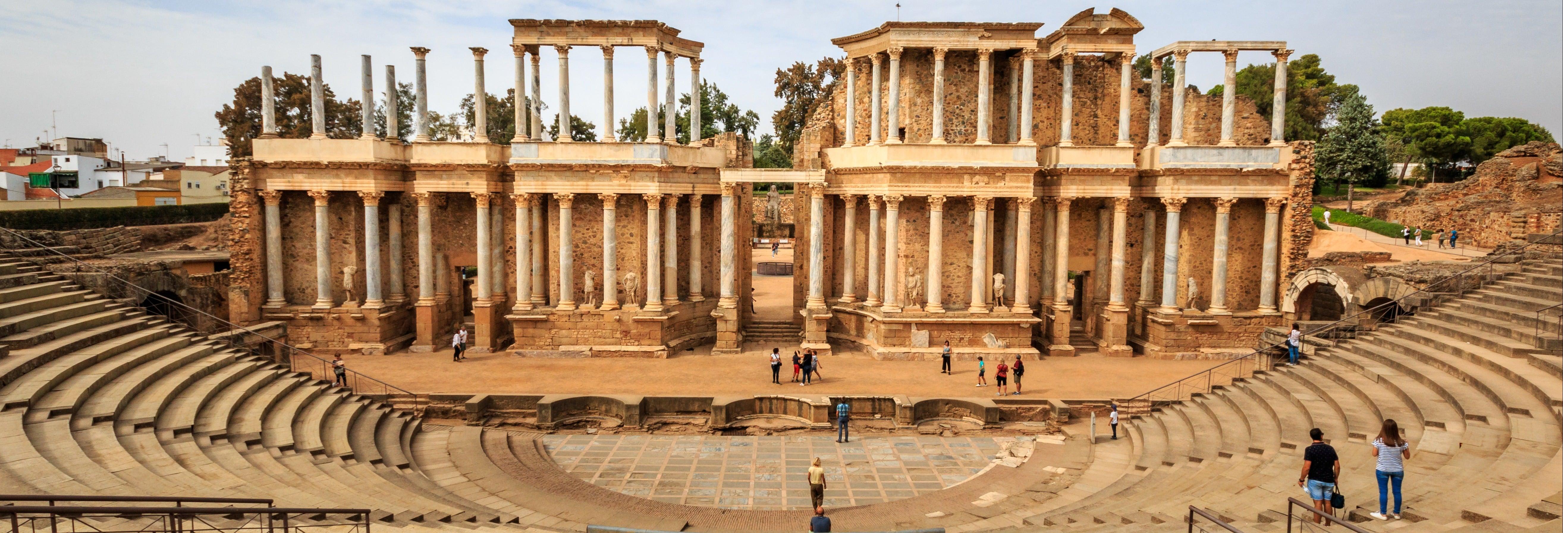 Visita guiada por el anfiteatro y teatro romano
