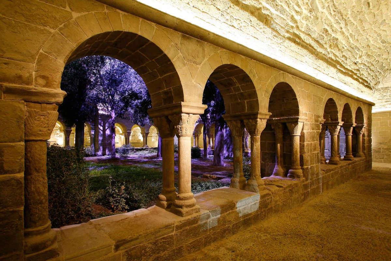 Visite médiévale dans le Monastère de Sant Benet